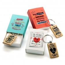 Llaveros madera BODA con frases en caja de regalo GRABADOS