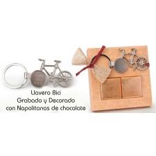 Llavero bicicleta GRABADO en caja con bombones detalles invitados boda